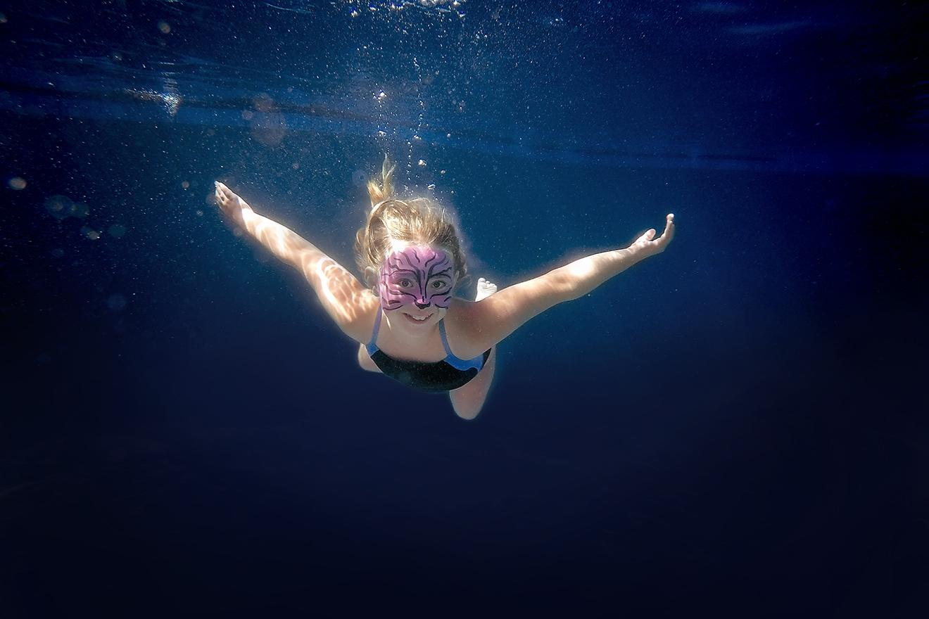 Under water photo photography sessions with children in Dallas Ft Worth Southlake